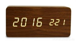 digitální LED dřevěné hodiny SYSTEMAT WOODOO CLOCK s budíkem tmavé dřevo