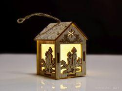 Dřevěný domek s LED osvětlením