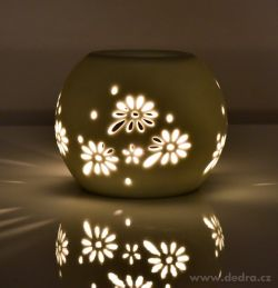 Dedra keramická aromalampa na čajové svíčky s krajkovým dekorem